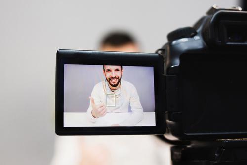 création d'éléments graphiques pour vidéos personnalisées